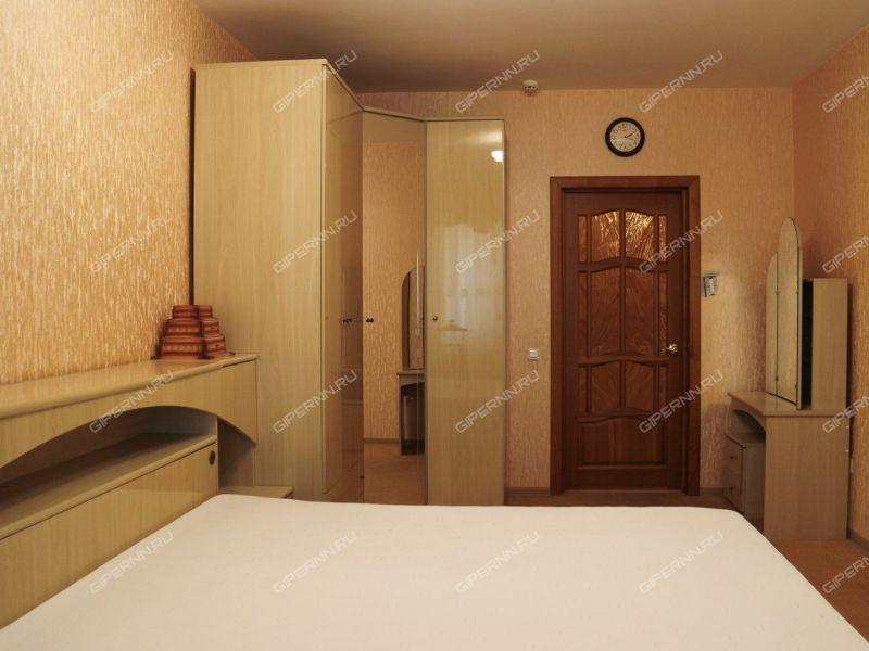 четырёхкомнатная квартира на улице Генкиной дом 38