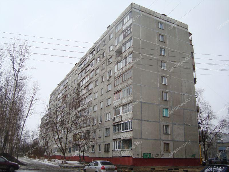 четырёхкомнатная квартира на улице Строкина дом 16а